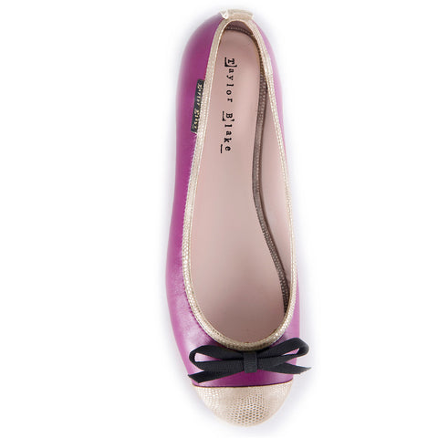 Womens leather ballet flat shoe