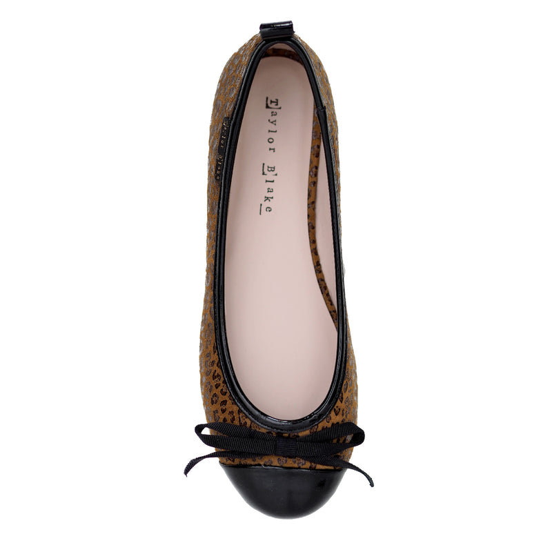 Womens leopard leather ballet flat shoe
