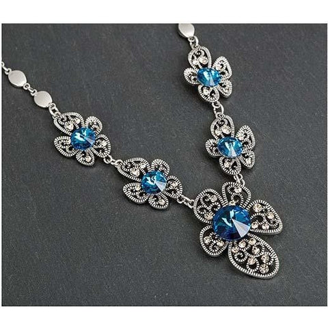 Ornate flower themed vintage style necklace