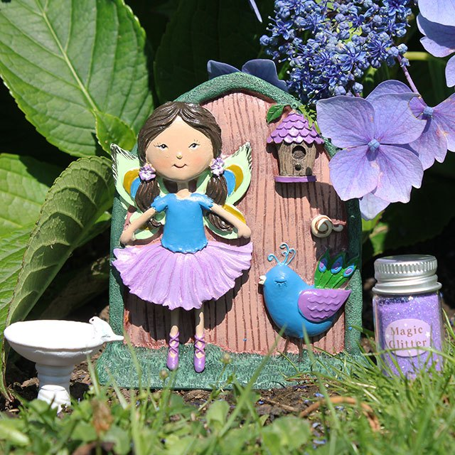 PHEOBE AND TEAL FAIRY DOOR GIFT SET in garden setting