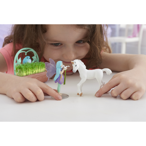 Unicorn & Friends playing