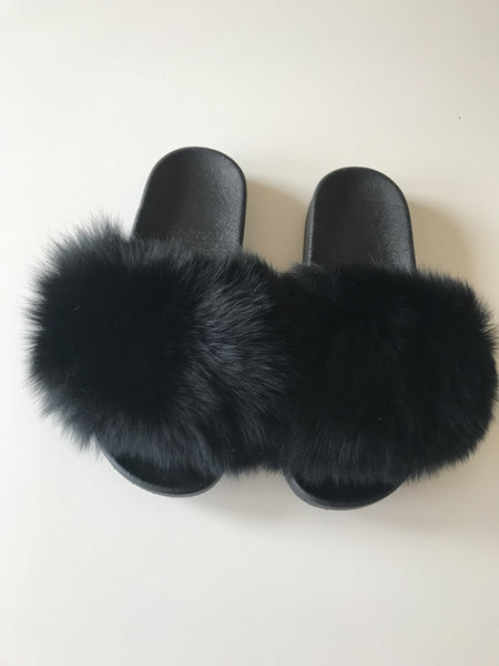 Fur slippers black