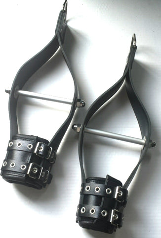 Suspension handcuffs