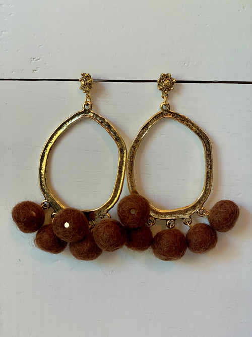 Pom Pom Earrings in Chocolate