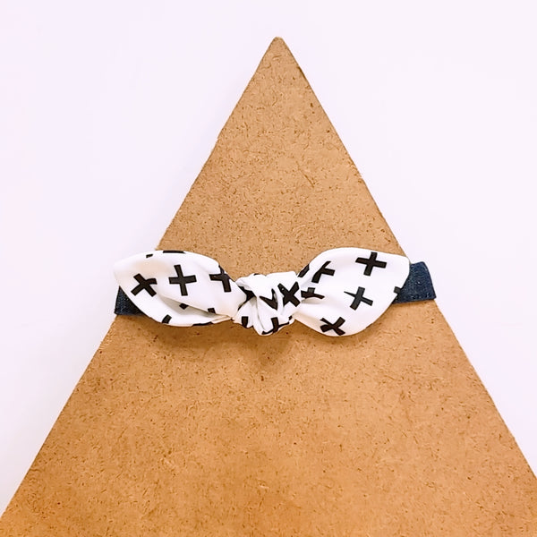 Pet Collar Black and White Cross Bow Tie