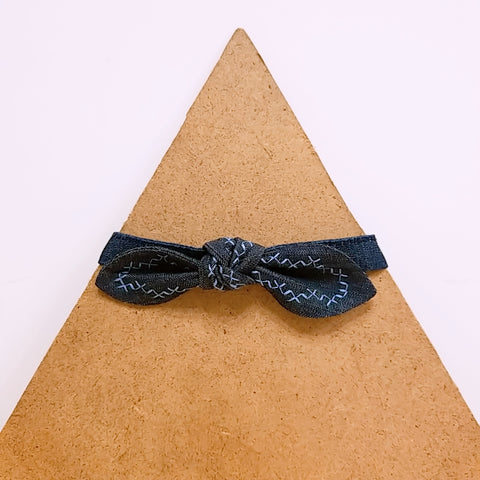 Pet Collar Denim with Light Blue Embroidery Bow Tie