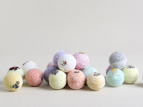 12 Bath bombs with Customized favor boxes - FREE SHIPPING!