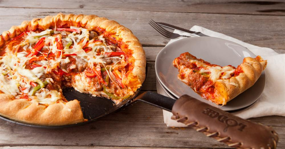 SKILLET DEEP DISH PIZZA