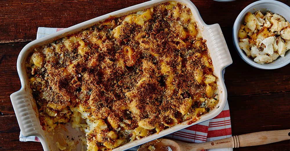 MACARONI AND CHEESE WITH GARLIC-PARSLEY BREADCRUMBS