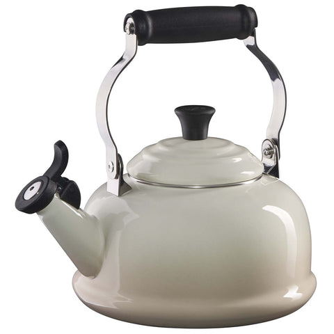 LE CREUSET 1.7-QUART CLASSIC WHISTLING KETTLE - MERINGUE