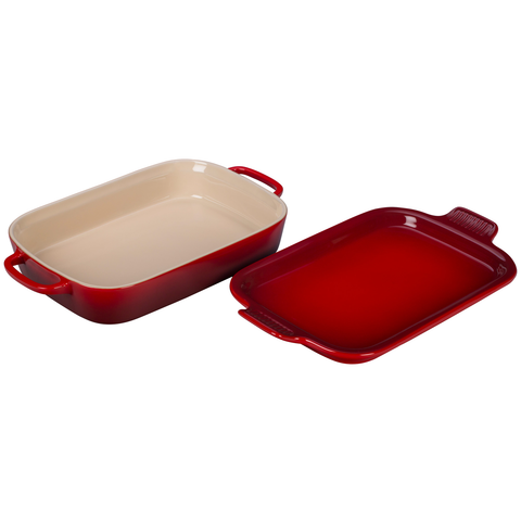 LE CRUSET 2.75-QUART RECTANGULAR DISH WITH PLATTER LID - CERISE