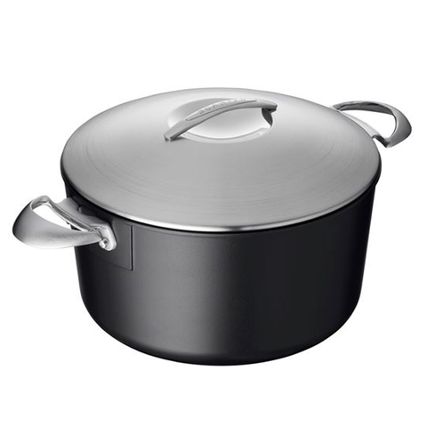 SCANPAN PROFESSIONAL 6.5-QUART COVERED DUTCH OVEN