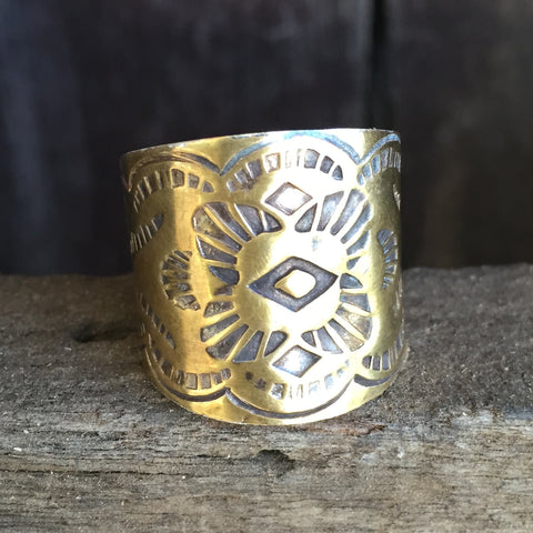 T. Indian Engraved Ring Gold