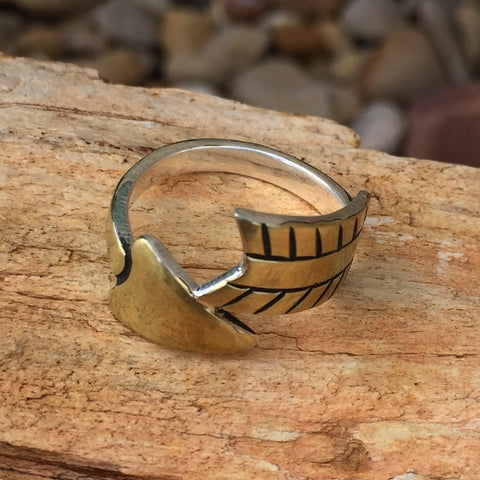 Ab. Wrap Around Arrow Ring Gold