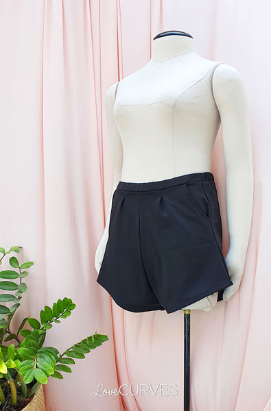 Basic Shorts with Pockets - Black02