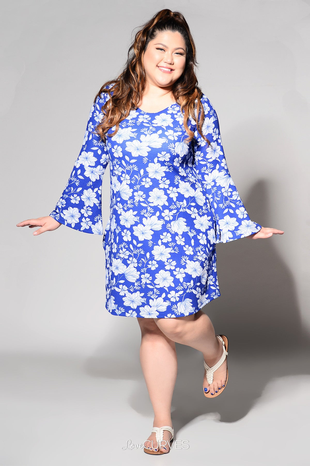 Flared Sleeves V-Neck Shift Dress - Blue Daffodils - REE