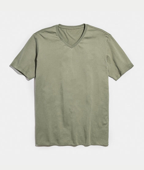 Signature V-Neck in Worn Olive