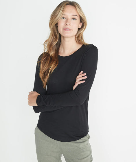 Clover Saddle Longsleeve in Black