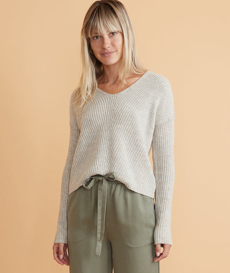 Elisa V-Neck Sweater in Oatmeal Heather