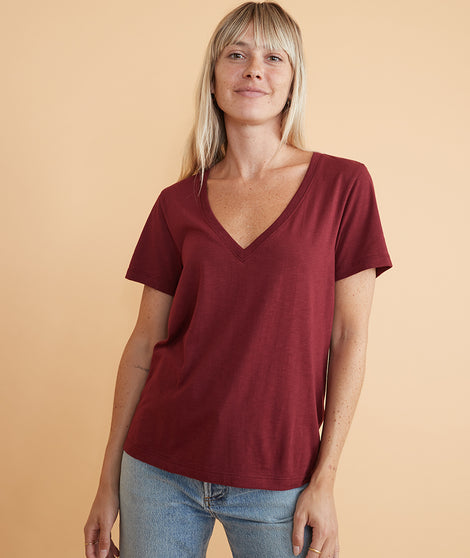 Boyfriend V-Neck in Cabernet