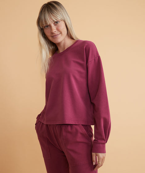 Tate Crop Sweatshirt in Red Plum