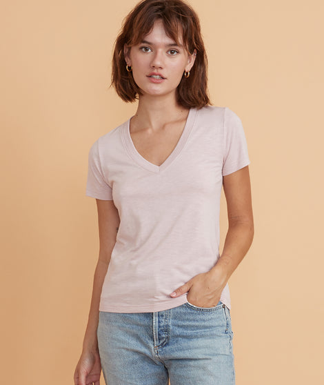 Classic V-Neck Tee in Lilac