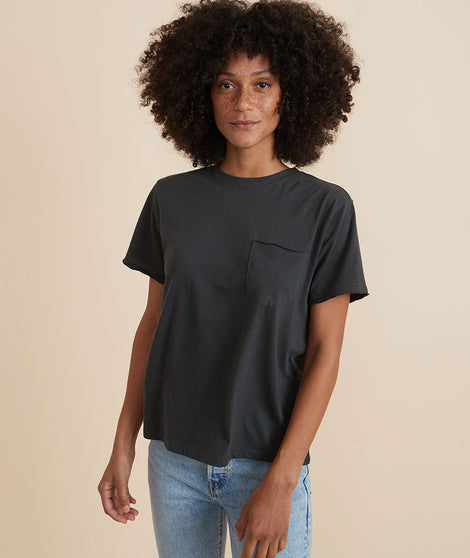 Boyfriend Crew Tee in Faded Black