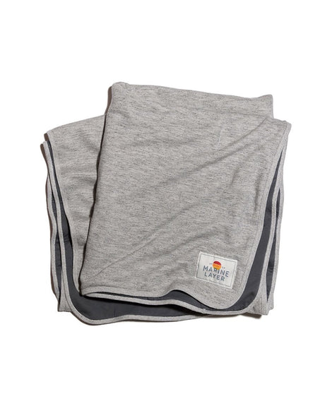 Signature Fleece Blanket in Heather Grey/Asphalt