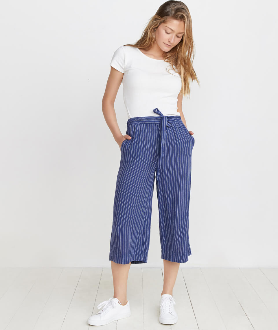 Aly Pant in Navy/White