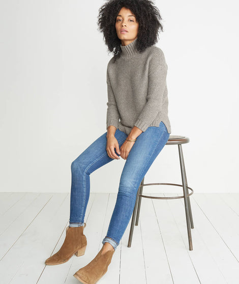 Annie Turtleneck Sweater in Portobello