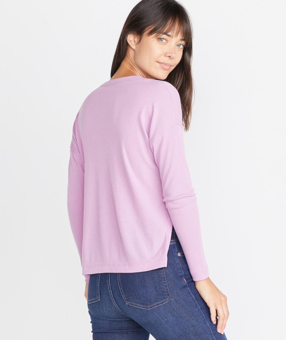 Cait Lightweight Henley in Lilac