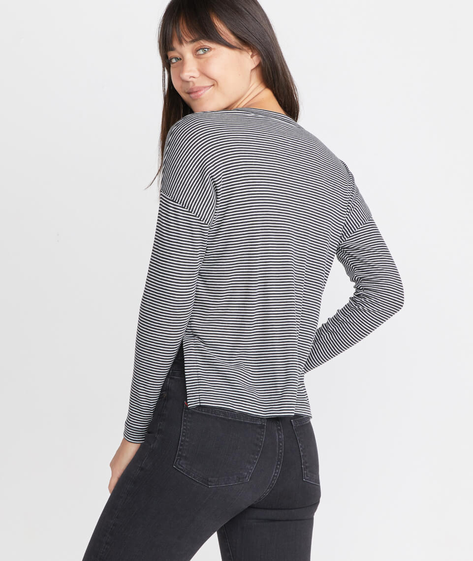 Cait Lightweight Henley in Black/Cream