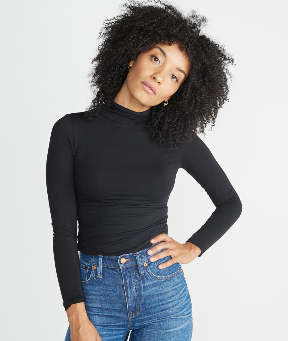 Magnolia Turtleneck in Black