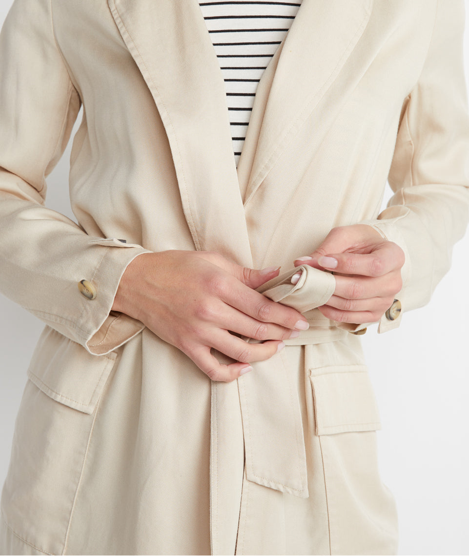 Nicole Trench Coat in Cream Tan