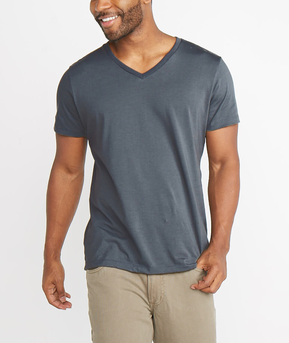 Signature V-neck in Asphalt