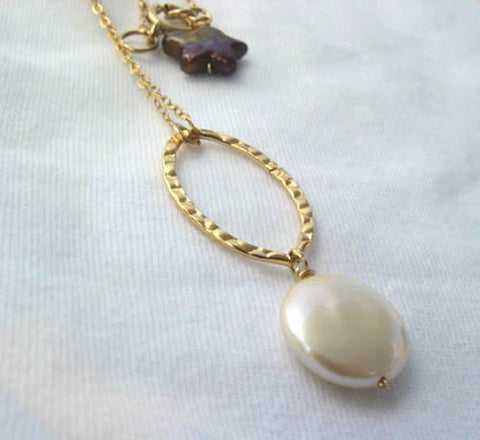 White Coin Pearl Pendant Necklace