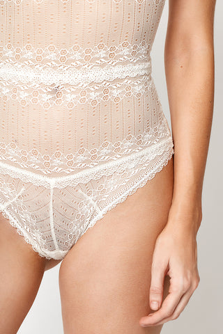 WHITE NEOTERIC LACE BODYSUIT
