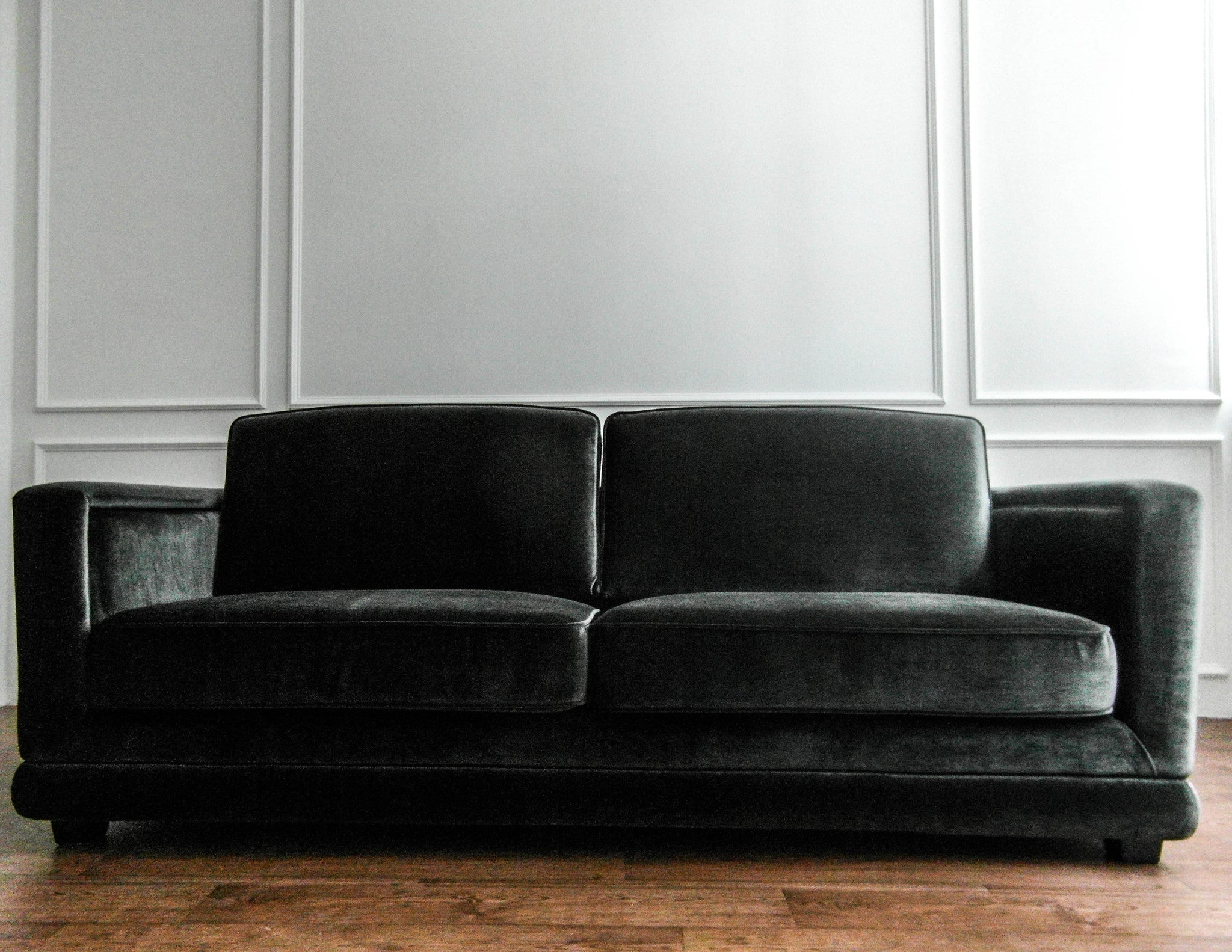 Knightbridge Sofa with a Modern Twist FinnAvenue – FINN AVENUE