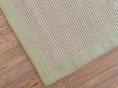 Jute rug with border corner