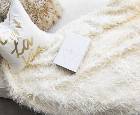 Luxury Faux Fur Throw in Cream