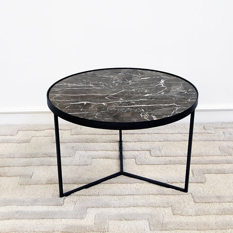 Zephyrus II Marble Black End Table, Grande