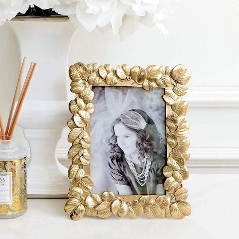 Love Gold Leaves Photo Frame in Living Room Deco Ideas