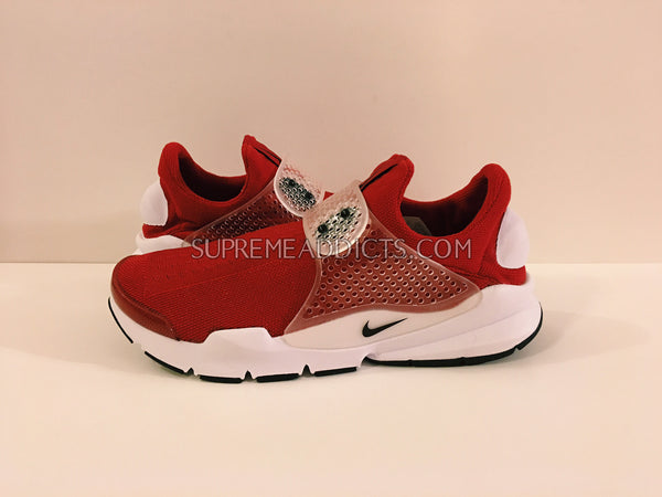 differently 0a907 1aef7 Nike Sock Dart 'Gym Red'