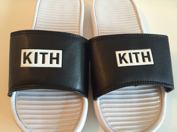 Kith Chancletas - Box Logo