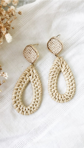Besito Earrings