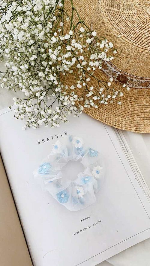 Nikki Scrunchie (Blue)