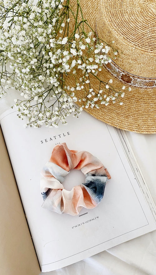 Irene Scrunchie (Peach & Grey)
