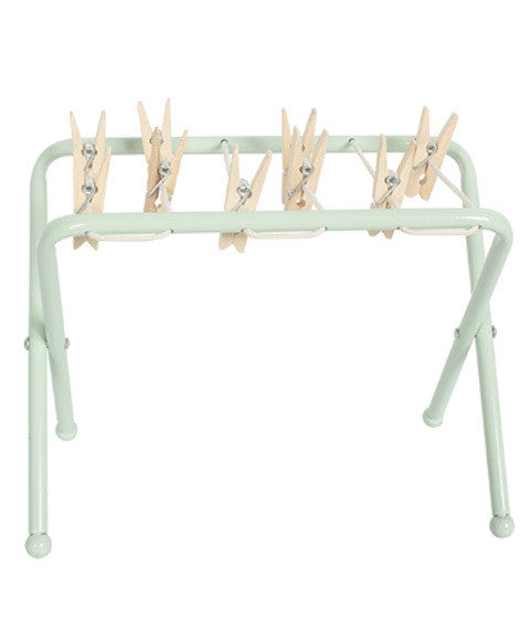 Clothes rack in metal