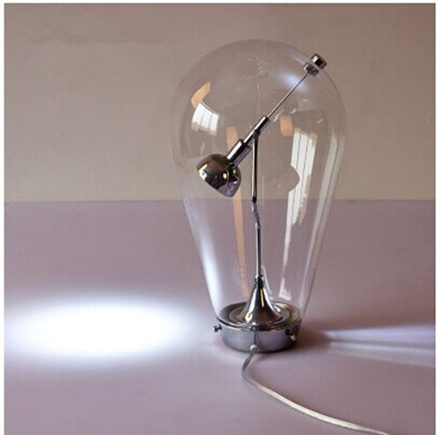 Magnetic Oversize Bulb Table Light - Ivanka lumiere