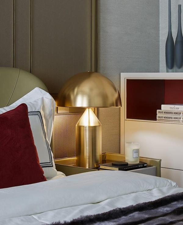 DOMED TABLE LAMP